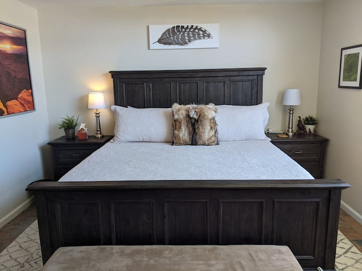 Quail Ranch. Private Entry Suite.  King bed.