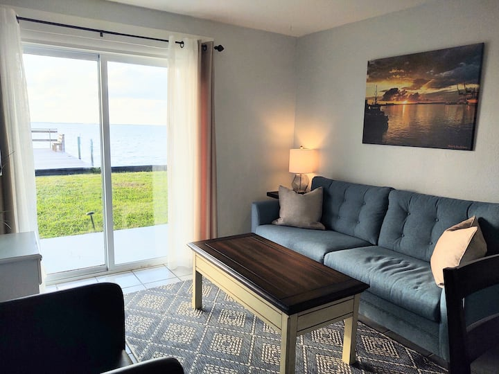 Relaxing Riverfront Apt by the Ocean- 1st Flr