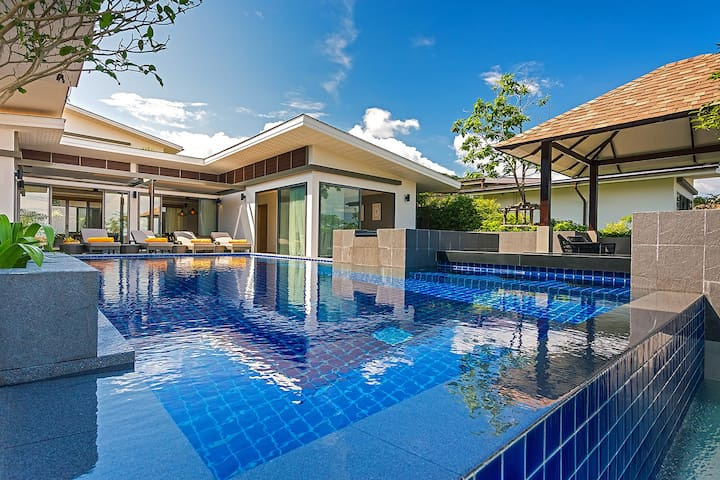 Luxury seaview 4 bedroom Pool Villa CasaBay