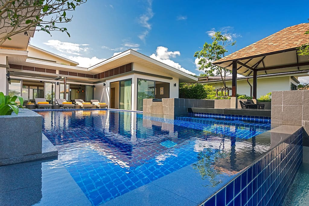 Luxury seaview 4 bedroom Pool Villa CasaBay Houses for