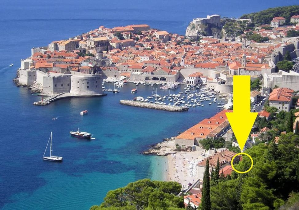 As you can see our location is the best regarding the combined distance to the beach and to the historic part of Dubrovnik
