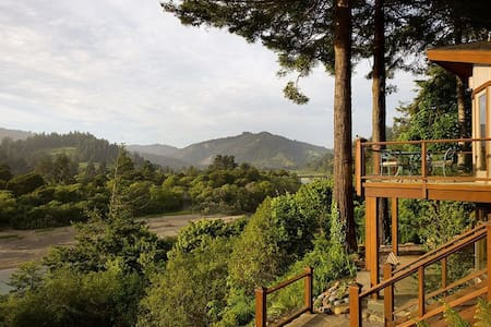 Private, Luxury, Sweet River Views!