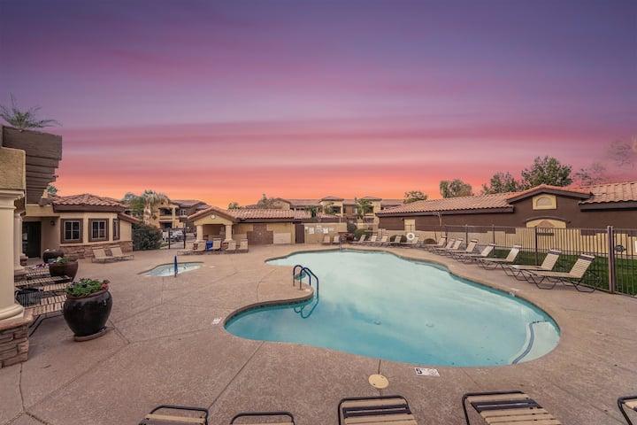 Stunning 3-bed Condo w/ Balcony, Pools, & Hot Tub!