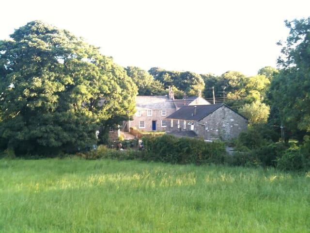 The old vicarage.Beaches nearby - Penzance