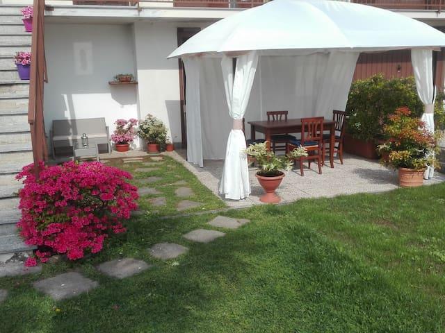 Arona- Lago Maggiore -Camera doppia Bed&Breakfast - Pisano - Bed & Breakfast