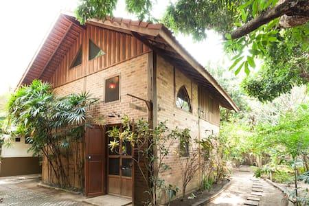 Thai-French Style Villa 1 - Leelawadee House