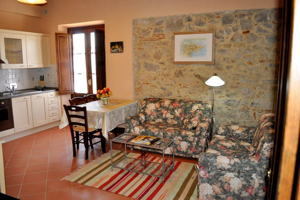 Colombaia living room