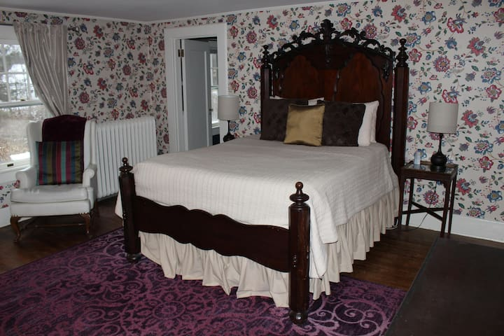 Room 2 The October Room at The Windflower Inn
