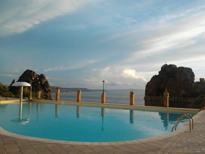Casa Golfo del Leone sea view pool.