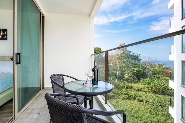 Sea view & Mountain view bright Condo⩎1BR⩎Kamala