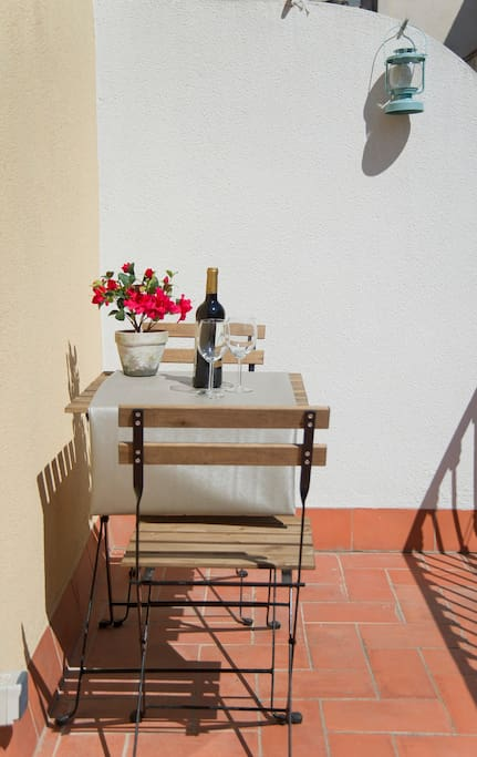 Sunny terrace close to Liceo and Boqueria Market