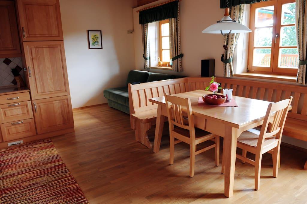 Kitchen - Wohnküche mit voll ausgestatteter Küche.