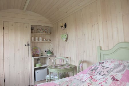 Romantic New Forest Retreat - Mockbeggar