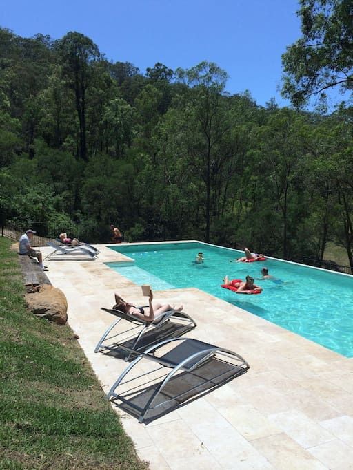 Yanada country retreat houses for rent in st albans new south wales australia St albans swimming pool timetable