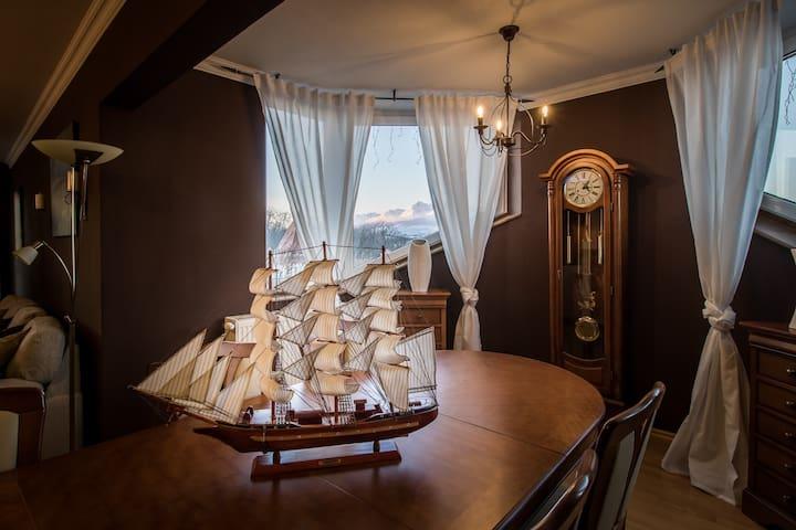 THE STARRY NIGHT - Van Gogh Bed & Gallery - Poprad - Apartmen