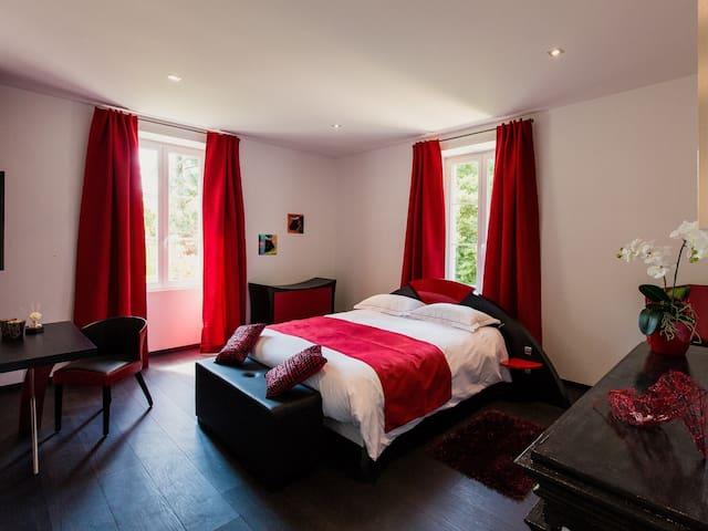 Double-Private Bathroom-Flamenco