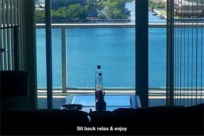 Luxury Beach Condo Private Room