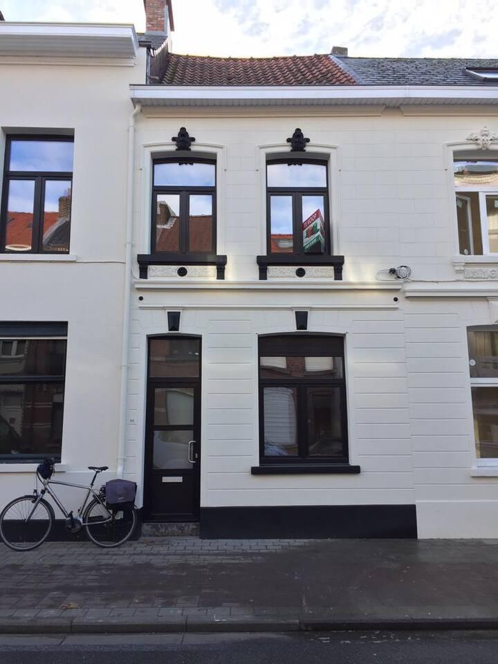 Nieuw gerenoveerd Studio/Appartement