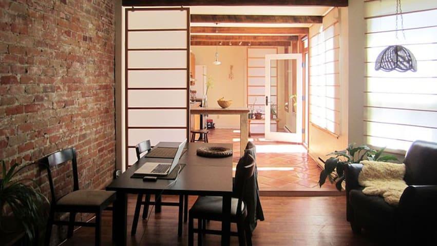 Beautiful 3 Bedroom Apt. for Rent - Montreal - Lejlighed