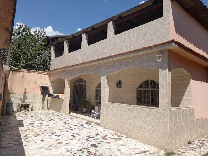 Casa enorme em nilopolis rj