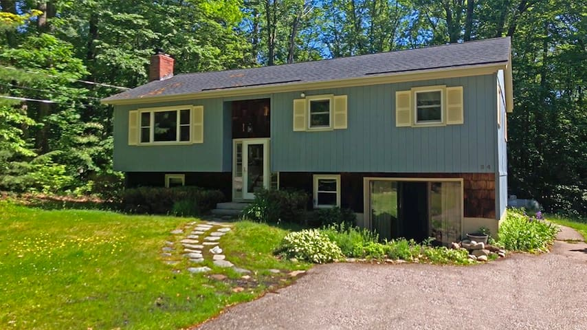 Family Friendly Home in Gilford