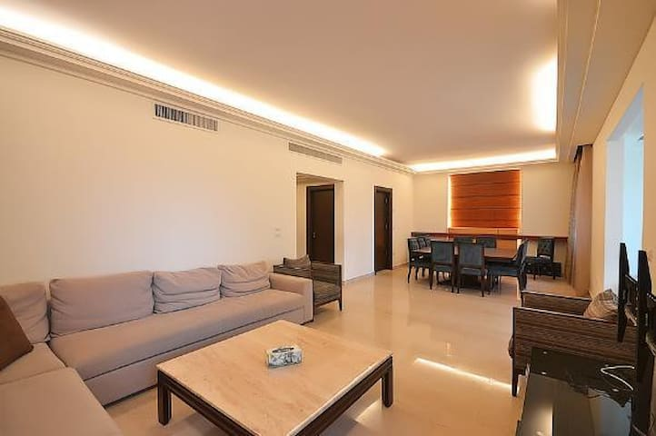 3 bedroom apartment in Beirut - Beirut
