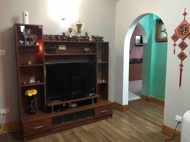 """Gayatri Apartment"" Steps free-Own entrance."