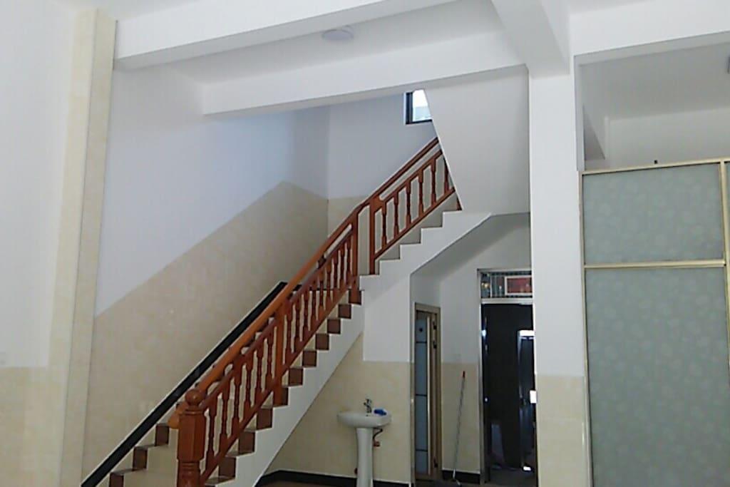 一楼大厅楼梯