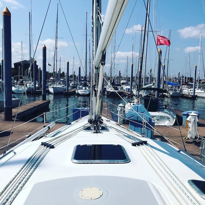 Romantic Sailboat Getaway for Two