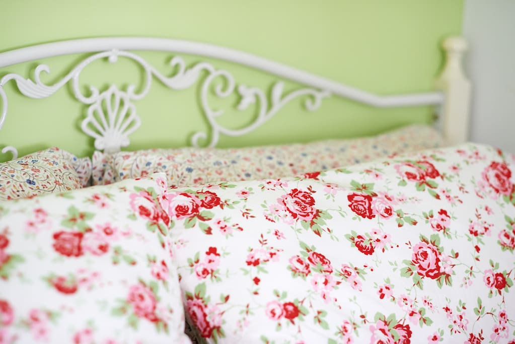 Lovely Bed linen with pillow