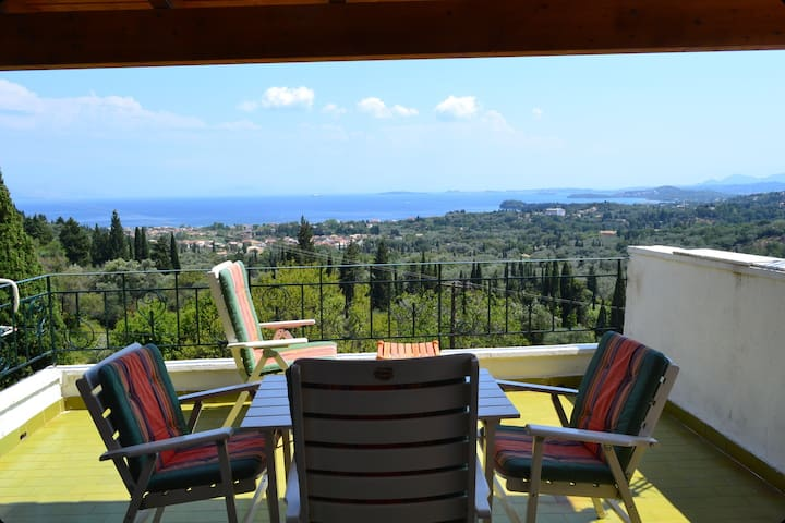 Lovely one family house in Corfu ! - Agios Markos - Hus