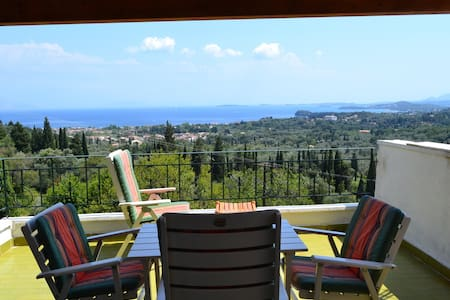Lovely one family house in Corfu ! - Agios Markos - 一軒家