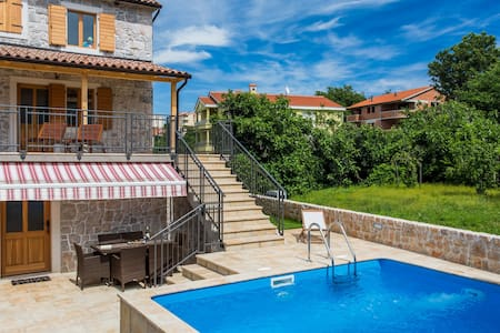 Luxury villa Klimno directly by the sea,with pool - Klimno