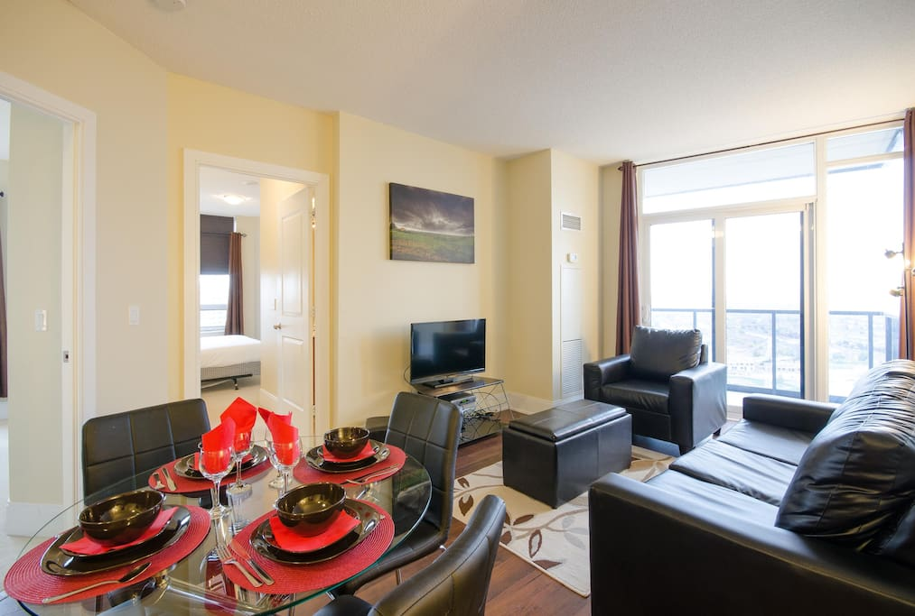 Posh 2 Bedroom 2 Bath Condo Near Square One U22 Apartments For Rent In Mississauga Ontario