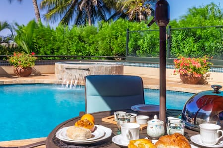 Luxury B&B w/breakfast. Pool, hot tub & much more!