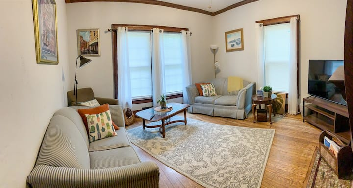 Private 3/1 central air in heart of the ElmVillage