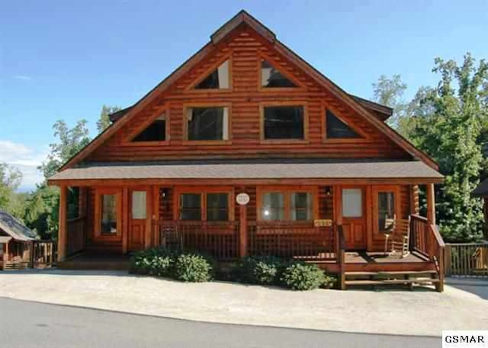 Reduced Great Log Duplex Cabin In Pigeon Forge Cabins