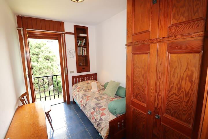 The single room.