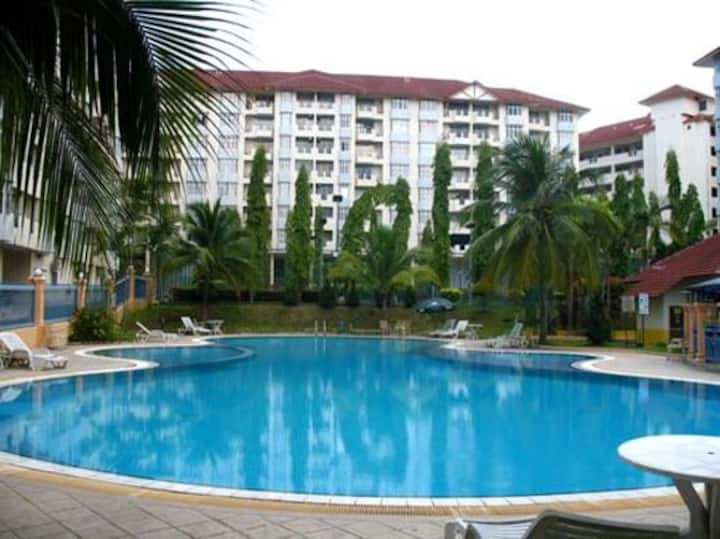 3Bedroom apartment near the beach