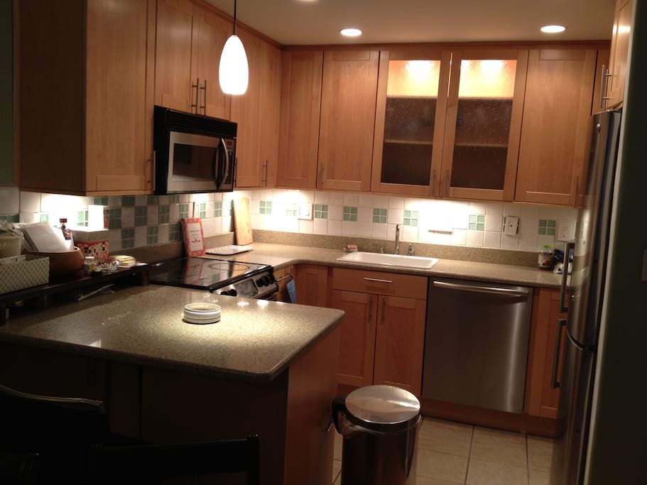 Quiet dishwasher, Modern appliances, full electric stove, microwave, fridge