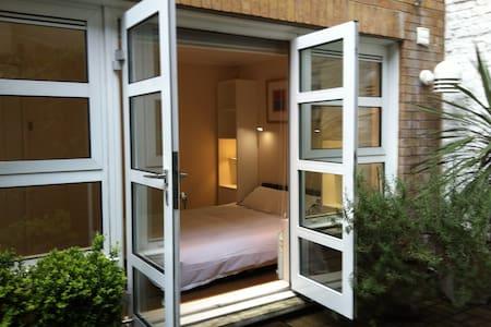 Private room + bathroom + garden - ลอนดอน - อพาร์ทเมนท์