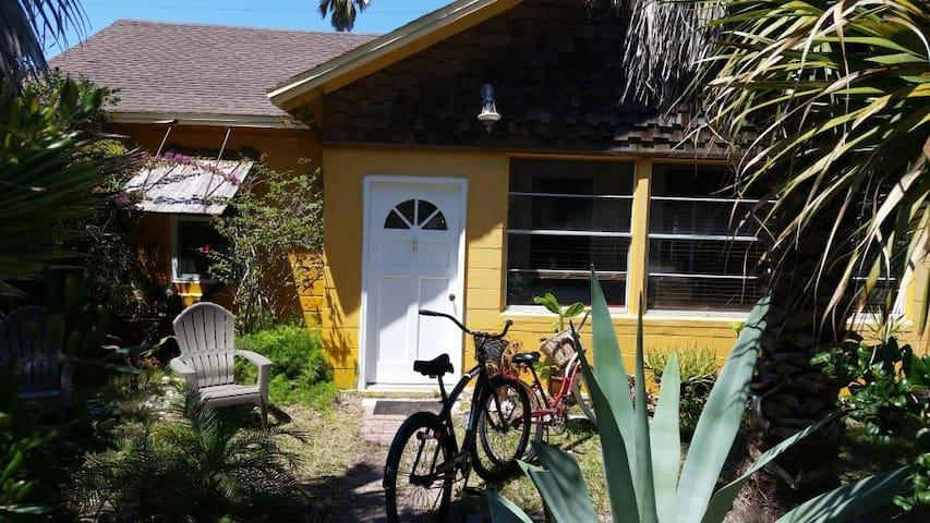 Saint Augustine Beach Cottage - St. Augustine - Ev