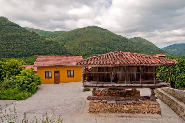 Acogedora casita A ESTRENAR en Belmonte (Blasón 1) - Lorero