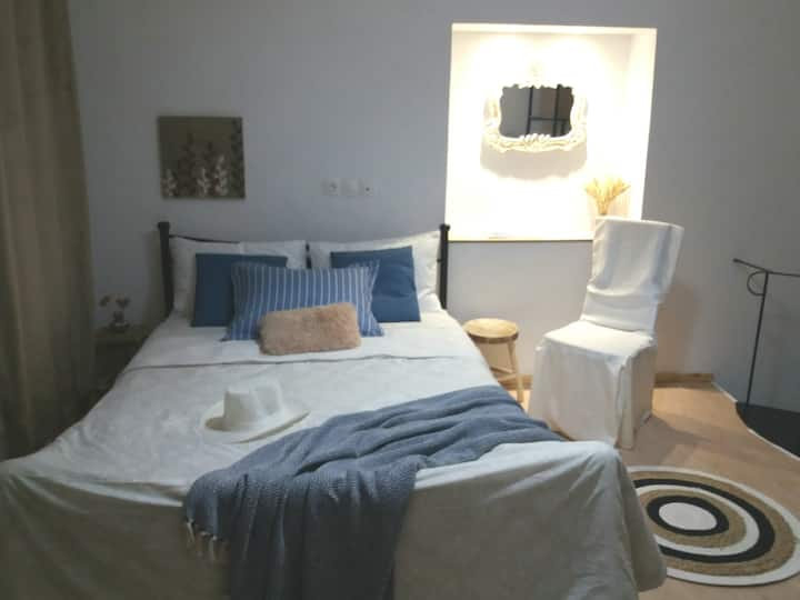 Blue Butterfly Maisonette home in Heraklion city