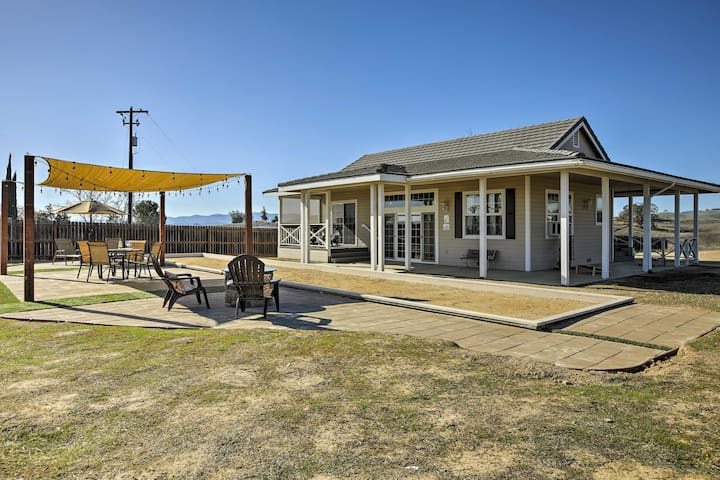 NEW! 1BR Paso Robles Cottage Overlooking Vineyards