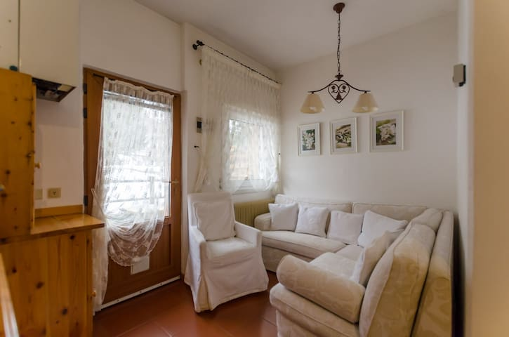 Continental apartment in central area - 8 beds - WIFI and terrace