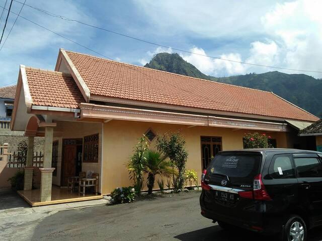 Villa Wijaya Kusuma Dekat Gunung Bromo