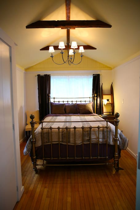 Master Bedroom with Queen-sized bed