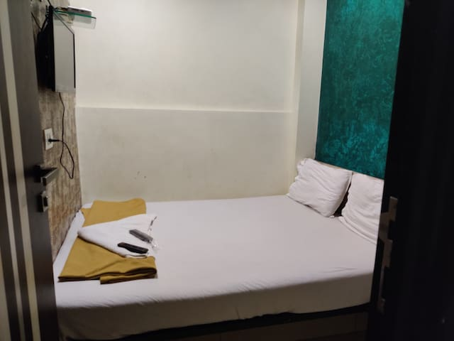 Hotel Golden Sagar - Compact Room