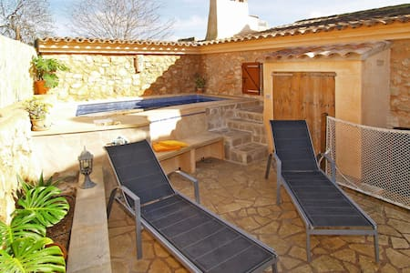 Holiday House Xesquet for 6 persons in Cala dOr